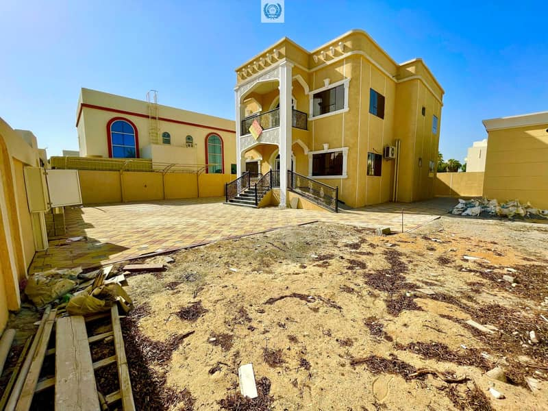 ☆☆ Brilliant 5BHK Duplex Villa With OutSide Big Kitchen Close To The Beach Just In 120k
