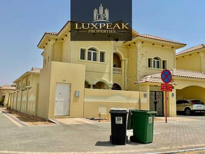 فیلا 4 غرف نوم للبيع في بني ياس، أبوظبي - No Commission| For Investor| 5 Master bed | Private Pool| Huge Plot