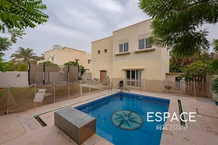 3 Bedroom Villa for Sale in The Meadows, Dubai - Private Pool   Away from Cables   Type 3