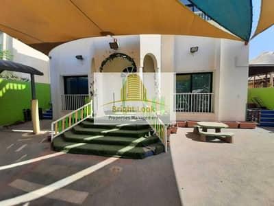 فيلا تجارية 4 غرف نوم للايجار في البطين، أبوظبي - Prime Location Fitted Commercial 4 ROOMS Villa   220K located in Al Bateen