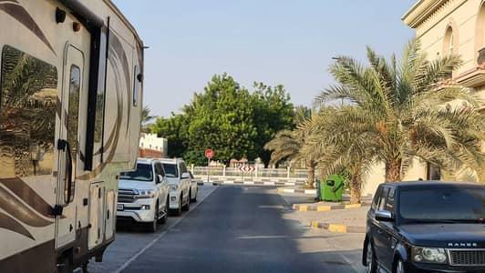 فیلا 5 غرف نوم للبيع في العزرة، الشارقة - بيت في العزرة موقع مميز جدا خلف المسجد الكبير وعند الحديقة