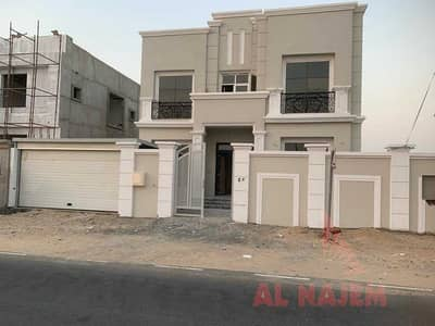 5 Bedroom Villa for Sale in Hoshi, Sharjah - Villa for sale in Sharjah with electricity, water and central air conditioning. Without a down payment. . .