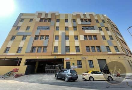 سكن عمال  للبيع في جبل علي، دبي - G+4+R Labour Camp | Capacity of 1