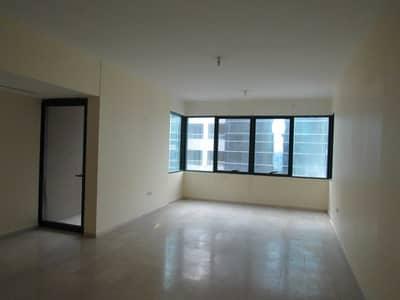 شقة 4 غرف نوم للايجار في الخالدية، أبوظبي - 1 MONTH FREE   Enormous 4BR Duplex+MR