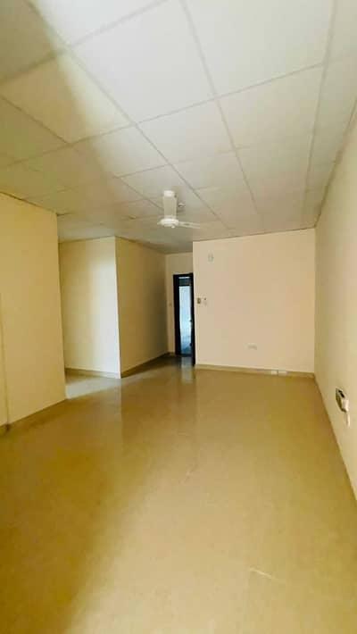 شقة 1 غرفة نوم للايجار في بوطينة، الشارقة - شقة في بناية إبراهيم رسول بوطينة 1 غرف 15999 درهم - 4831422