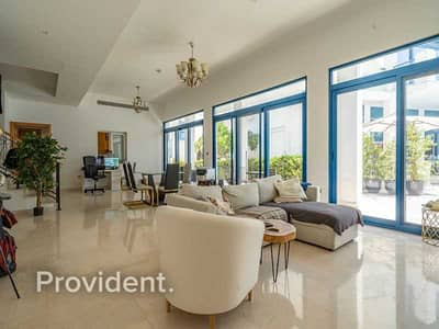 4 Bedroom Townhouse for Rent in Palm Jumeirah, Dubai - Vacant Soon | Next to the Pool | Bright Living