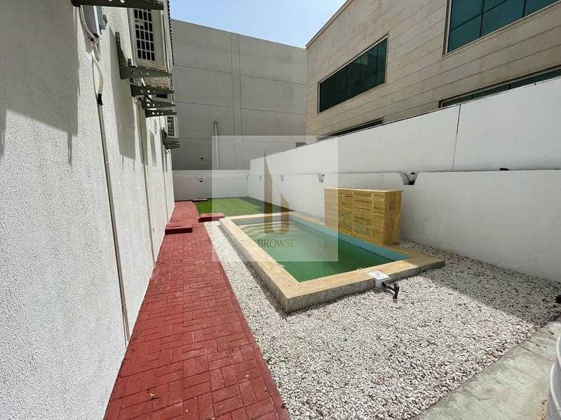 10 FULLY UPGRADED 5BR+M+PRIVATE POOL+GARDEN