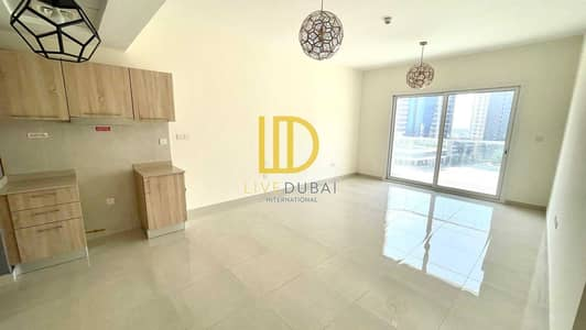 Studio for Rent in Business Bay, Dubai - JZ - Balcony - Brand New - Ready To Move