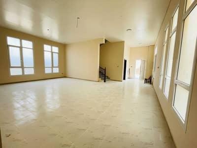 فیلا 4 غرف نوم للايجار في النوف، الشارقة - Elegant 4-BR Villa with 6 bathrooms | Maids room | Prime location