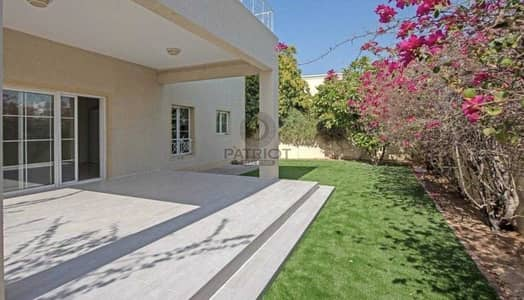 4 Bedroom Villa for Rent in The Lakes, Dubai - Four bedrooms| Fully upgraded | Type 2 |ready to move in