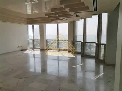 فلیٹ 3 غرف نوم للايجار في الحصن، أبوظبي - شقة في برج بينونة 1 الحصن 3 غرف 124999 درهم - 5442285