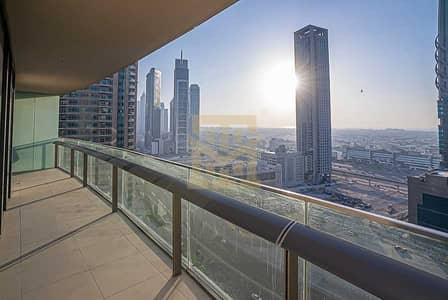 2 Bedroom Flat for Rent in Downtown Dubai, Dubai - Spacious 2 Beds   Sea View   Chiller Free   Mid Floor