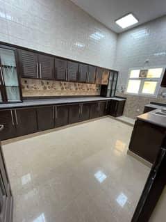 شقة في جنوب الشامخة 3 غرف 60000 درهم - 5443192