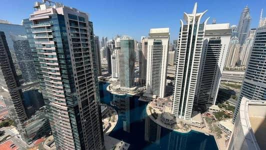 شقة 1 غرفة نوم للبيع في أبراج بحيرات الجميرا، دبي - Amazing Investment! High Floor with Full Lake View in JLT