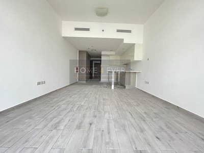 استوديو  للايجار في قرية جميرا الدائرية، دبي - Massive Studio with High Quality Finishing