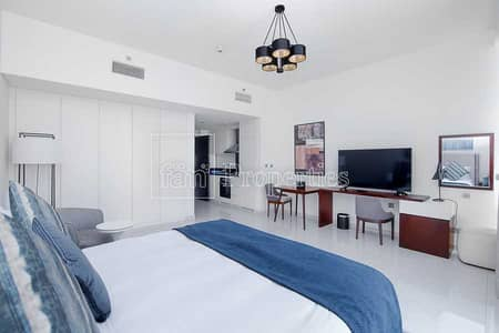 Studio for Rent in Business Bay, Dubai - Spacious studio   High floor   Stable views