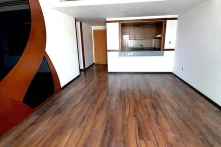 2 Bedroom Flat for Sale in Dubai Silicon Oasis, Dubai - Large 2BHK + Maid Room for Sale in Neat and Clean Building @675K - Call Mohsin