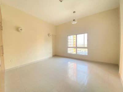 EXCELLENT SPACIOUS 2BHK APARTMENT,WELL MAINTAINED,AED65000