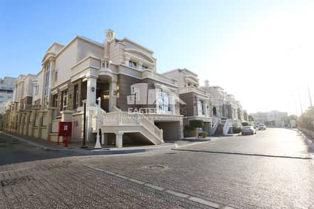 4 Bedroom Villa for Rent in Khalifa City A, Abu Dhabi - Corner and Modern 4+1 BR Villa with maid and driver room.