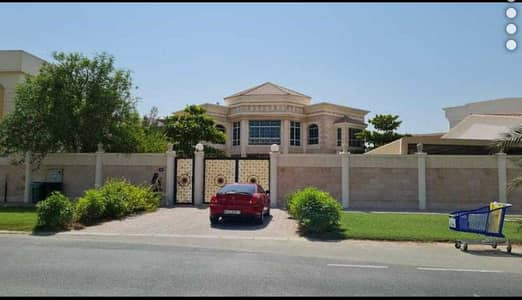Large Beautiful Corner 6 Bedroom  Single row  with private pool garden double story 300k