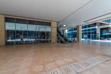 محل تجاري  للايجار في الخليج التجاري، دبي - Supermarket   Prime Location   Busy Area