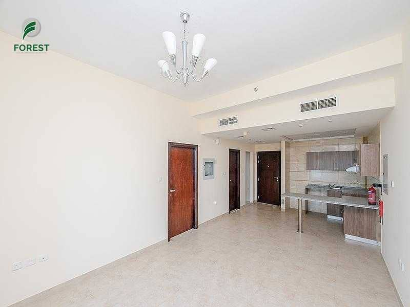 Unfurnished   1 BR Apt with Lake View   Cluster N