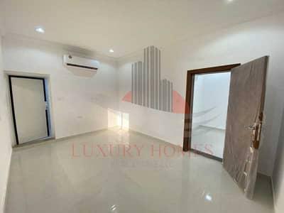 3 Bedroom Villa for Rent in Al Qattara, Al Ain - Brand New Ground Floor Villa with Small Backyard