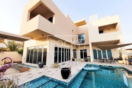 5 Bedroom Villa for Sale in Dubai Waterfront, Dubai - Extravagant | Private Pool | Stunning