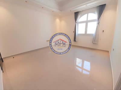 Studio for Rent in Al Bateen, Abu Dhabi - Free ADDC | Free Parking | No Commission | Deluxe Studio