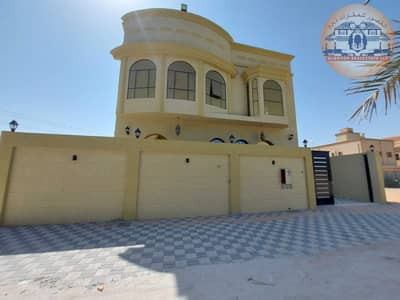6 Bedroom Villa for Sale in Al Helio, Ajman - Villa for sale, Arabic design, super deluxe finishing, three floors, at a very reasonable price, and the price is negotiable