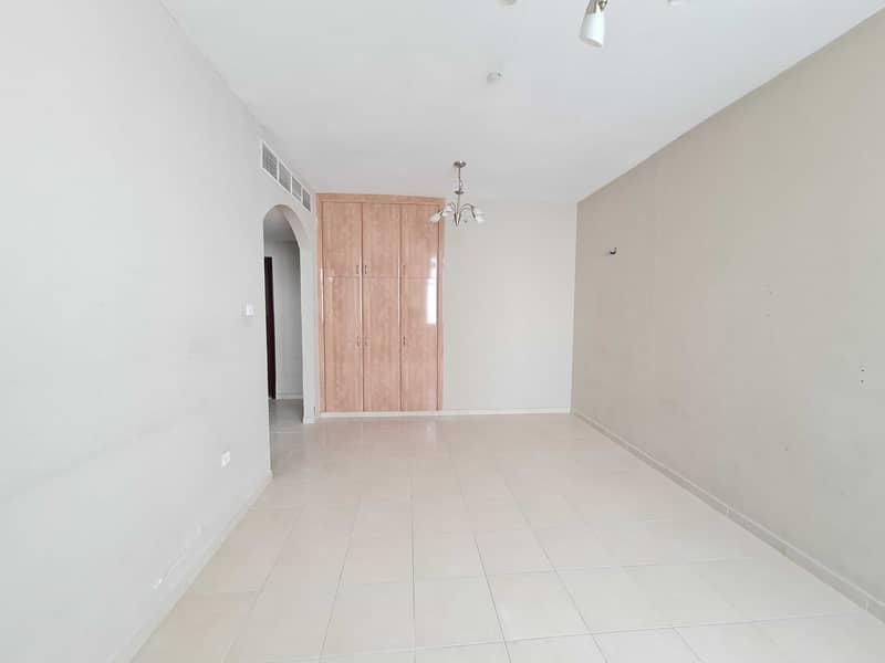 شقة في النهدة 2 النهدة 1 غرف 28000 درهم - 5380205