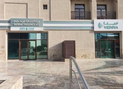 Shop for Rent in Al Jaddaf, Dubai - Spacious Shop | Ideal Location | Road Facing