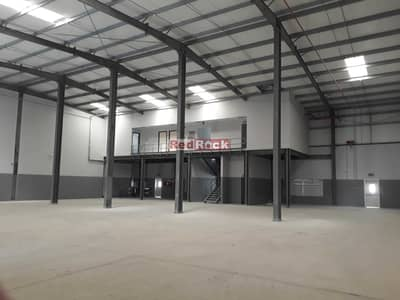 مستودع  للايجار في جبل علي، دبي - 9844 Sqft Warehouse with 80 KW Power and Office in Jebel Ali