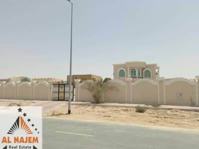 5 Bedroom Villa for Sale in Al Jurf, Ajman - For sale, a large-sized villa with electricity and water, in the Al-Jurf area in Ajman, with the possibility of bank financing or cash Citizens only o