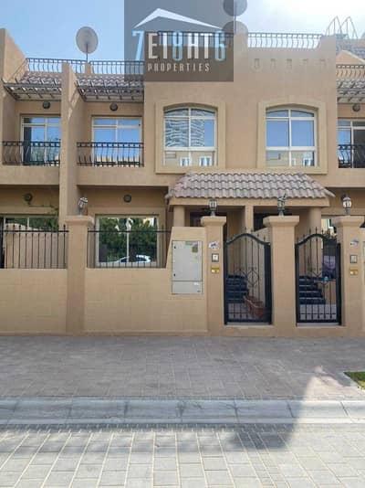 فیلا 2 غرفة نوم للبيع في قرية جميرا الدائرية، دبي - Amazing value: 2 b/r good quality semi-independent villa for sale in JVC