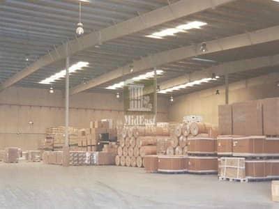 مستودع  للايجار في جبل علي، دبي - Large storage warehouse in JAFZA for rent