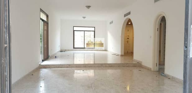 4 Bedroom Villa for Rent in Al Khalidiyah, Abu Dhabi - Newly Vacate w/ Large and Lovely Garden