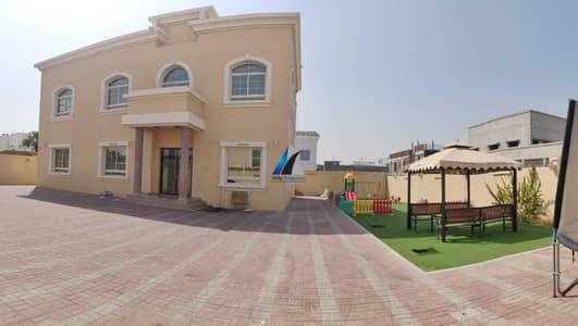 فیلا 5 غرف نوم للايجار في المزهر، دبي - فیلا في المزهر 2 المزهر 5 غرف 180000 درهم - 5453612