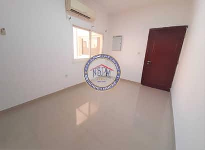 استوديو  للايجار في المشرف، أبوظبي - HOT DEAL! Renovated studio. Direct from the owner! Free ADDC | No commission