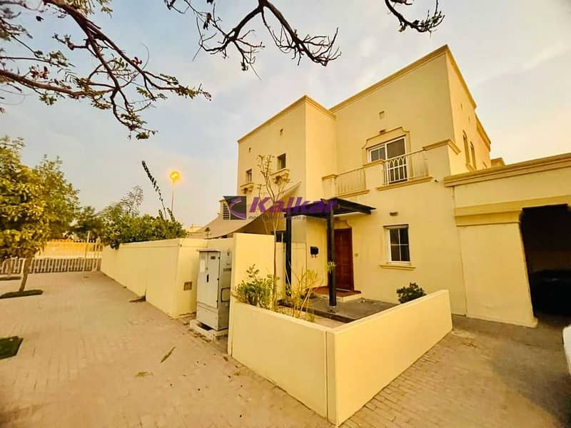 Springs 5, Corner Villa( Type 4E) Vacant  - Investors Price 2 Bed Rooms + study, Clean & Neat  @ AED. 1,790,000/-