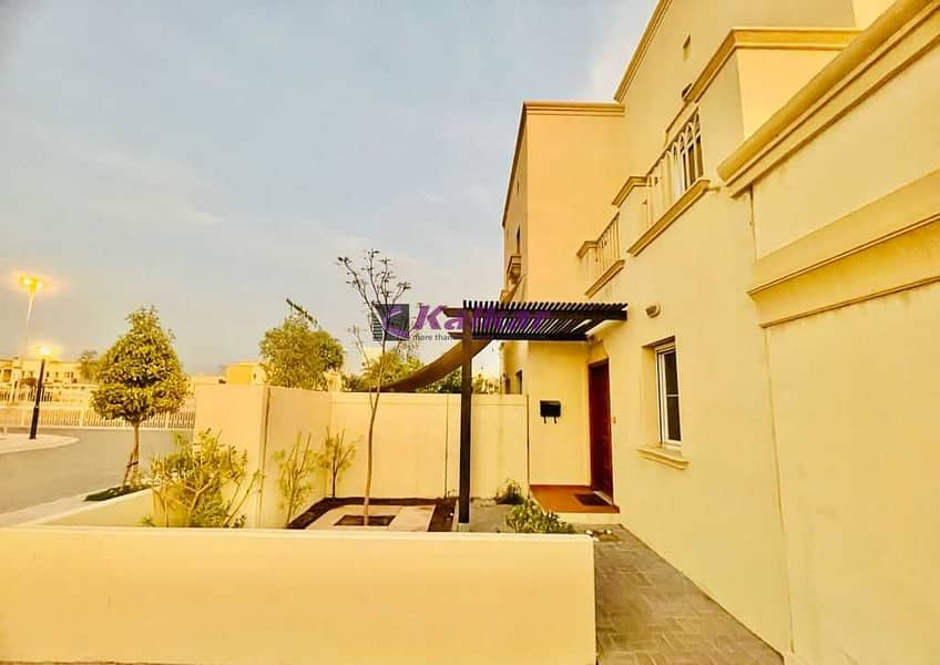 2 Springs 5, Corner Villa( Type 4E) Vacant  - Investors Price 2 Bed Rooms + study, Clean & Neat  @ AED. 1,790,000/-