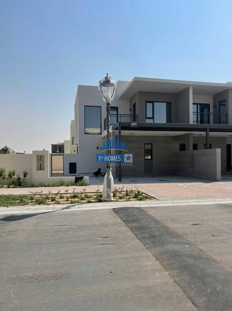 Ready to Transfer  4BHK+Maid Townhouse with Three years Payment Plan