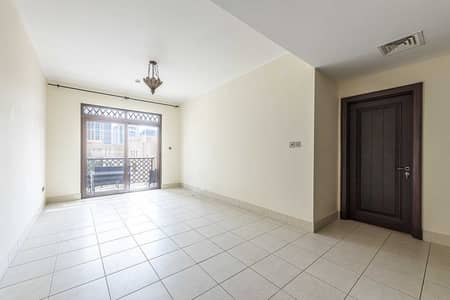 One bedroom Apartment   Low floor   4 Cheques  