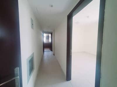 شقة 2 غرفة نوم للايجار في تجارية مويلح، الشارقة - شقة في بناية الحور تجارية مويلح 2 غرف 29000 درهم - 5455042