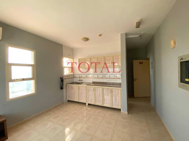 2 No Commission   Spacious Layout  Semi Furnished