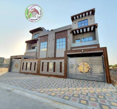 5 Bedroom Villa for Sale in Al Yasmeen, Ajman - Villa for sale, prime location, on the street, direct neighbor, freehold for all nationalities, finishing (Super Dulux)