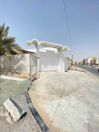 Ground floor villa for rent in Ajman, Al Rawda area  On the asphalt street