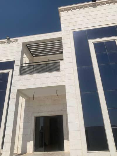 فیلا 4 غرف نوم للايجار في العوير، دبي - فیلا في العوير 4 غرف 220000 درهم - 5455521