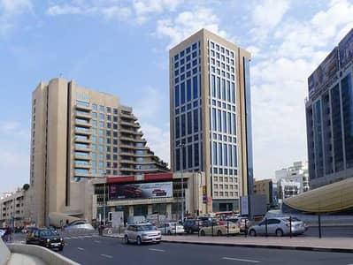 استوديو  للايجار في بر دبي، دبي - شقة في الفهيدي بر دبي 25000 درهم - 5425086