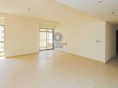فلیٹ 2 غرفة نوم للايجار في جميرا بيتش ريزيدنس، دبي - Spacious   Well Maintained   Partial Sea View  